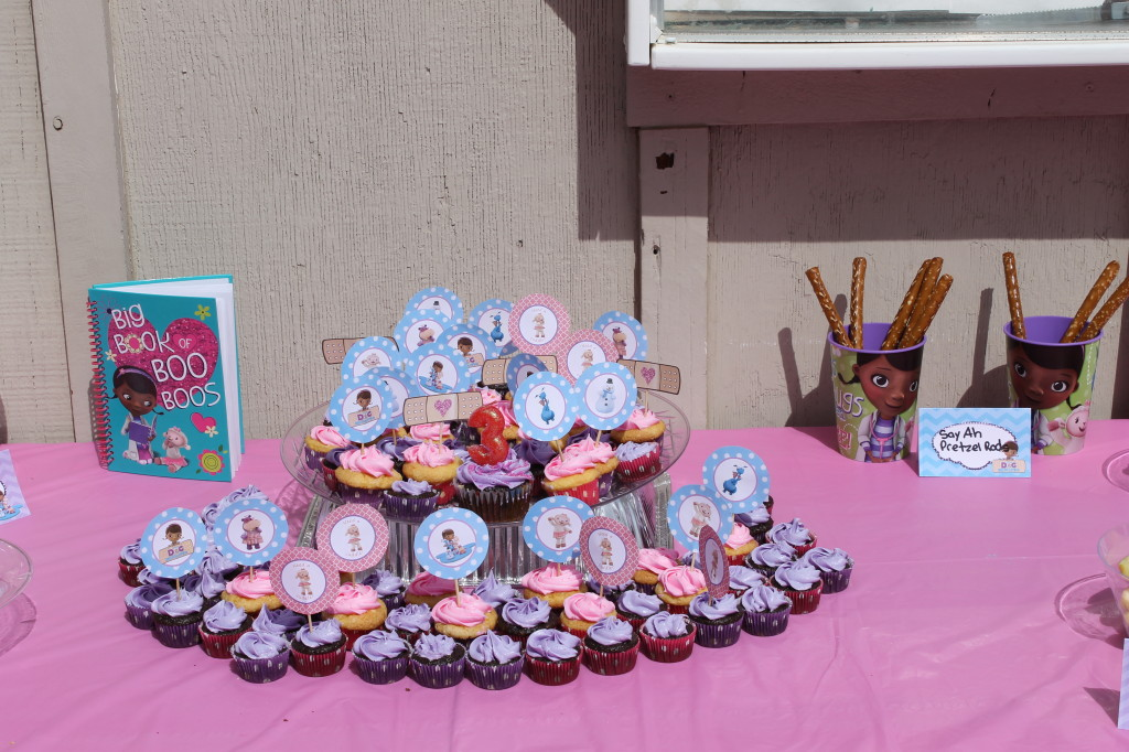Doc McStuffins Party: Cupcakes