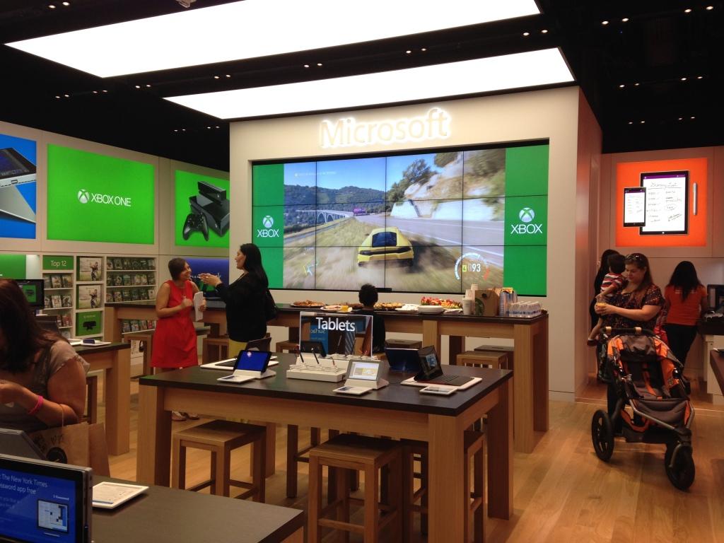 Mama Chit Chat: Microsoft Store